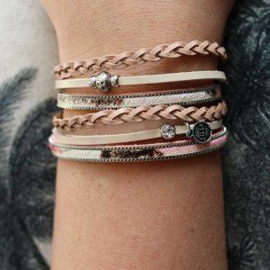 ZILLA-armband-leer-met-dierenprint-combi-roze-liggend